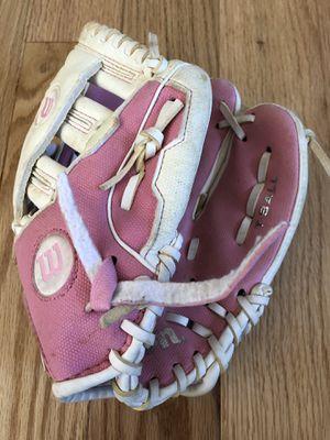"Wilson T-Ball Softball Glove 10"" Pink for Sale in Schaumburg, IL"
