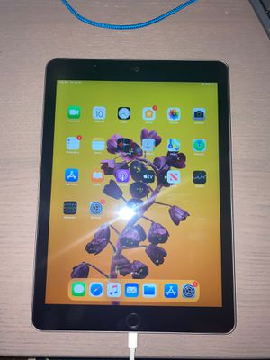 """iPad 9.7"""" - 32GB for Sale in Brooks, OR"""