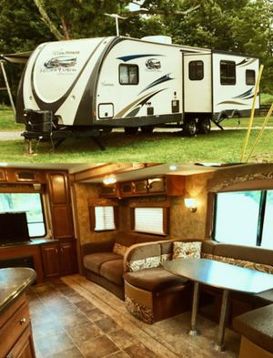 2012 Coachmen Freedom Express-$1OOO for Sale in Hartford, CT