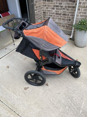 BOB Revolution Stroller in Orange for Sale in Keller, TX
