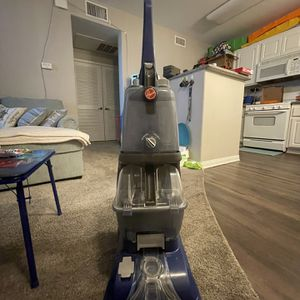 Hoover Carpet Cleaner for Sale in Moreno Valley, CA