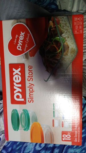 Pyrex simply store 18 piece glass storage regiment for Sale in Fresno, CA