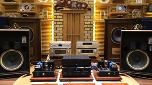 Wanted: Vintage Quality Stereo Speakers and Receivers for Sale in Phoenix, AZ