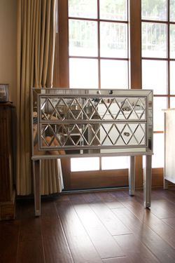 Mirrored Oversized Nightstand/Dresser (2 available - price is for one) for Sale in Palos Verdes Peninsula,  CA