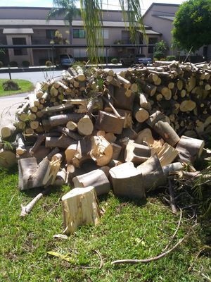 Fire woods for free for Sale in Cape Coral, FL