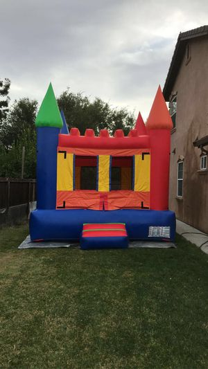 Regular Jumper, 4 long tables and 32 chairs for $100 all day for Sale in Stockton, CA