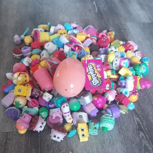 Toys - Shopkins 4 Piece Lot - All Picked At Random - Egg, Sphere or Pumpkin for Sale in Longmont, CO