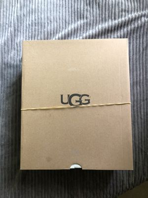UGG Bailey Button Size 5 for Sale in Renton, WA