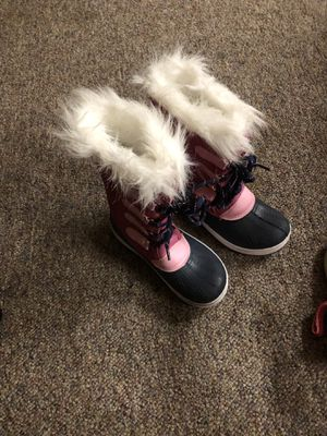 Size 1 girls winter boots like new for Sale in Greenville, OH