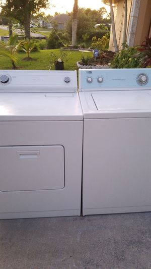Super Super nice Whirlpool washer and dryer set for Sale in Port St. Lucie, FL