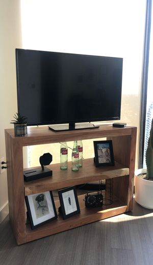 Wooden TV Stand (Reduced Price) for Sale in Chicago, IL