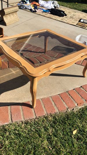 Square Pine Coffee table for Sale in San Fernando, CA