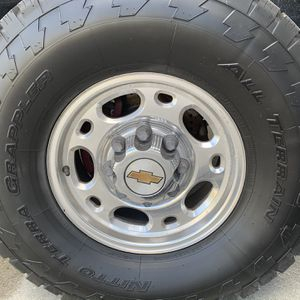Chevy 8 Lug Wheels 8x6.5 for Sale in FL, US