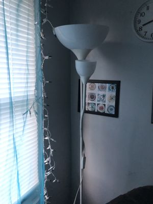 Floor lamp for sale for Sale in Orlando, FL