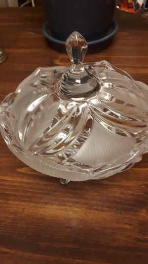 Antique bowl w lid. for Sale in Sudley Springs, VA