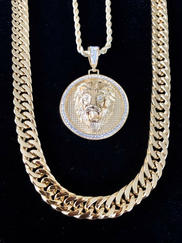 ⭐️ HAPPY VALENTINES DAY PERFECT GIFT!! ⭐️ LION DIAMONDS cz 18K GOLD NEW CHAIN NECKLACE MADE IN ITALY!!