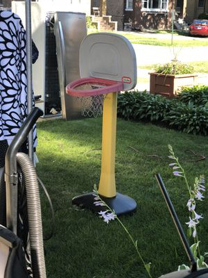 Little tikes basketball hoop for Sale in Maywood, IL