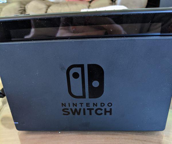 Nintendo Switch w/BOTW, Smash, and Mario Party