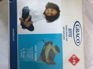 Graco backless booster seat with the latch system for Sale in Coon Rapids, MN