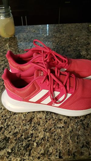 Womens Adidas size 8 hot pink for Sale in El Paso, TX