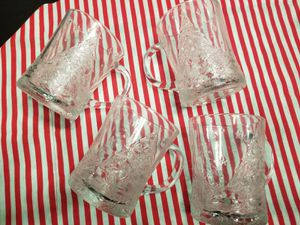 Vintage Arcoroc Clear Glass Christmas Tree & Holly Mugs, Set of 8 - Holiday Mugs Set for Sale in Mableton, GA