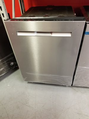 New scratch and dent Kenmore stainless steel dishwasher 1 year warranty for Sale in Saint Petersburg, FL