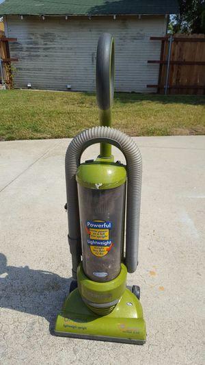 Eureka Bagless Vacuum for Sale in Los Angeles, CA