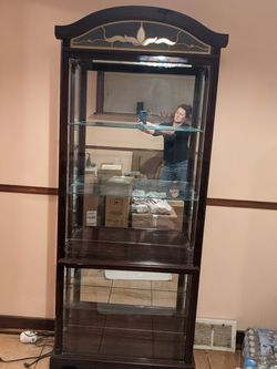 China/Curio Cabinet- Lighted for Sale in Pittsburgh,  PA