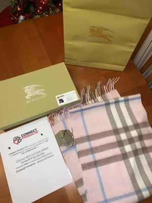 Authentic Brand New Burberry Cashmere Light Pink Check Scarf 🧣(Now Available for pickup in Ny) for Sale in Queens, NY