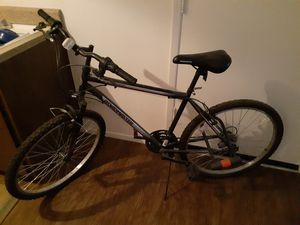 Roadmaster mountain bike used Bell heavy duty lock included for Sale in Las Vegas, NV