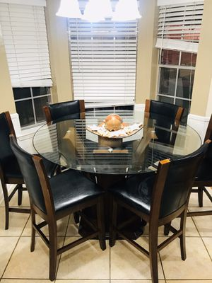 Dining table with 6 chairs for Sale in Kenner, LA