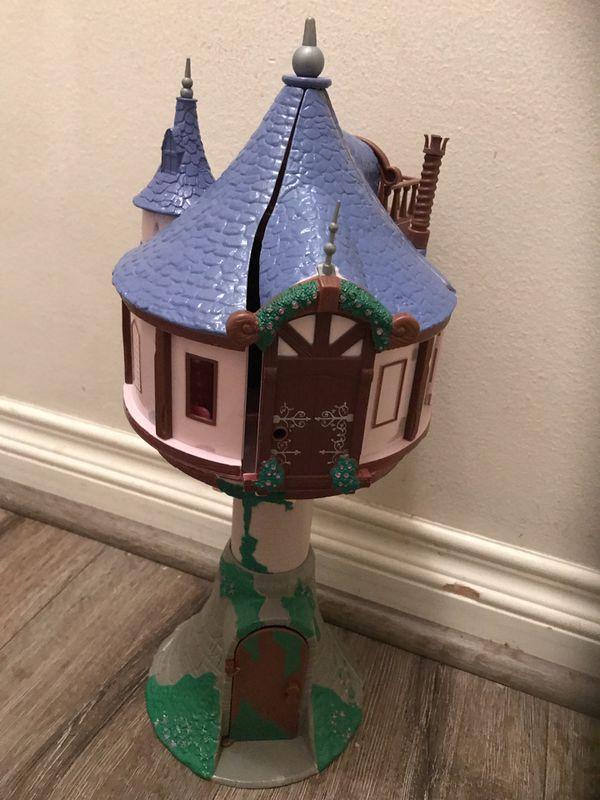 Disney Tangled Rapunzel treehouse playset