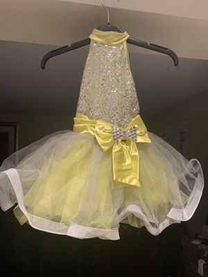 Ballet yellow and silver for Sale in Miami, FL