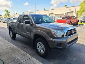 2013 Toyota Tacoma acces cab 4x4 sr5 4cyl auto long bed for Sale in Miami, FL