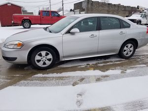 2010 Chevy impala lt for Sale in Somerset, OH