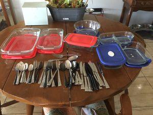Pyrex glass storage w/lids & Tableware for Sale in Las Vegas, NV