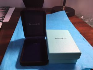 Tiffany & Co Necklace Presentation Box for Sale in Columbia, SC