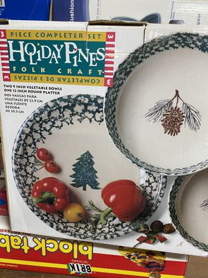 Holiday plate set for Sale in Wenatchee, WA