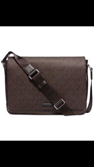 fdab46520bcc Michael Kors Men s Large Logo Messenger Brown Messenger Bag💥 New with tags  attach Serious buyers