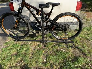 Hollywood hitch mount bike rack for Sale in North Bend, WA