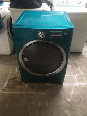 Gas dryer brand Electrolux everything is good working condition 90 days warranty delivery and installation for Sale in San Lorenzo, CA