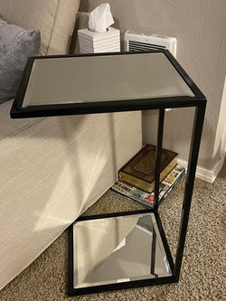 Side Table for Sale in Tualatin,  OR