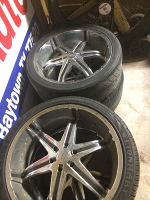 24' rims and tires for Sale in Baytown, TX