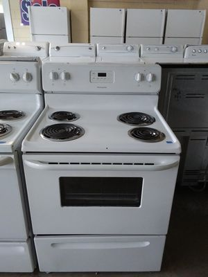 Frigidaire coil top stove for Sale in Tampa, FL