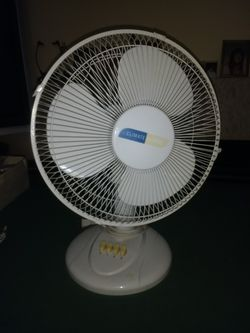 Oscillating table fan for Sale in Beaverton,  OR