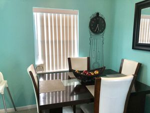 Dining Room Set- extendable table with 6 chairs for Sale in West Palm Beach, FL