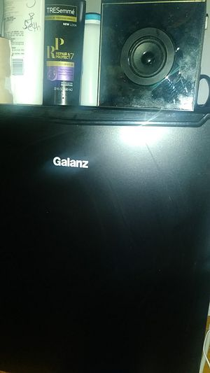 Galanz mini fridge and soundlight infinity spkr for Sale in Middle River, MD