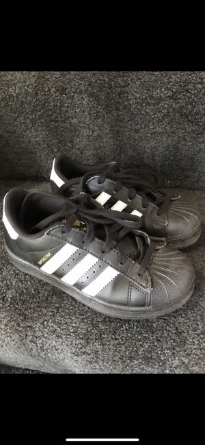 Kids adidas superstar size 12.5k great condition for Sale in Chantilly, VA