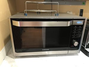 Samsung Microwave oven for Sale in Sterling, VA
