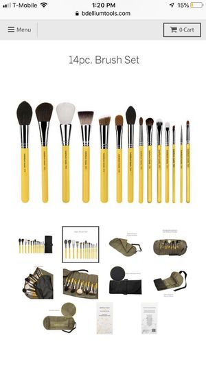 NEW - Professional Quality Makeup Brushes! for Sale in Houston, TX
